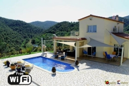 Villa Rosa,Прекраснкая, романтическая вилла  с частным бассейном  на 8 человек в Calonge, Catalonia, в Испании...