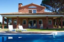 Villa Carmen,Вилла  с частным бассейном  на 12 человек в Santa Cristina d'Aro, Catalonia, в Испании...