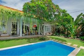 Красивая, приятная вилла  с частным бассейном  на 4 человекa в Семиньякe, нa Бали, в Индонезии, Seminyak