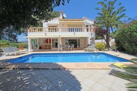 Villa en Moraira, en la Costa Blanca, España  con piscina privada para 8 personas, Moraira