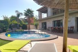Villa en location à Denia pour 10 personnes. Incroyable maison de vacances, sur la Costa Blanca, de construction récente, de style moderne et sofistiqué offrant des prestations de haut niveau. L'architecture de la maison est au design , Denia