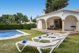 Belle maison de vacances confortable à Javea, sur la Costa Blanca, Espagne  avec piscine privée pour 4 personnes, Javea