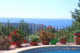 This is a beautiful 8 person summer house for rent with sea views and private pool in Benissa, Costa Blanca, Spain. This fantastic house is located in one of the most beautiful locations in the area on the outskirts of an urbanized area. You will be , Benissa