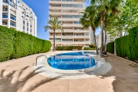 Holiday rental apartment for maximum of 6 people.Modern 2 bedroom apartment located just 200 meters away from the Levante Beach of Calpe. Its comfort and the vicinity of the beach, places to shop and places to go out make this a fine apartment to celebrate your holidays with family or friends. The apartment is in an 8th floor., Calpe