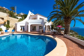 Villa for rental in Benissa, Costa Blanca, Spain with private pool, for a maximum of 6 persons.This villa is situated in a residential area, close to restaurants and bars and at 100 m from Basetes beach. The accommodation has a garden with grav, Calpe