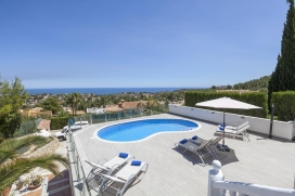Comfortable holiday villa with stunning sea views in Denia, Costa Blanca, Spain with private pool for 10 people.Villa Salomé is situated at the foot and right on the mountain massif of the Montgo mountain and offers a wonderful view over the sea, the bay of Denia and the surrounding area. The newly renovated holiday home consists of two floors that are connected by an interior staircase and offers many amenities such as free internet access (WIFI), satellite TV and air conditioning. When equipping this villa special attention was paid on the safety of children. There are, for instance grilles on the staircase and also a removable fencing for the private swimming pool, which by the way, contains salt water which is much better tolerated by the skin than chlorine water. The 5 bedrooms and 3 bathrooms are distributed in such a way that, for example 2 families with children, can feel comfortable and spend perfect holidays in the house.The pool terrace also features a spacious barbecue área as well as 6 comfortable sun loungers.The sandy beach, as well as different supermarkets, the harbor and the center of Denia can be reached in aabout of 5-10 minutes by car.Interior Upper floor:, Denia