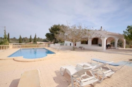 Large and comfortable villa  with private pool in Javea, on the Costa Blanca, Spain for 8 persons.  The villa is situated  in a  residential area and  at 4 km from La Grava beach.  The villa has 4 bedrooms and 2 bathrooms, spread over 4 levels.  The , Javea