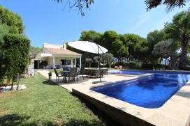 Modern and comfortable villa  with private pool in Moraira, on the Costa Blanca, Spain for 8 persons, Moraira