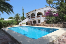 Beautiful and classic villa with private pool in Moraira, on the Costa Blanca, Spain for 8 persons. The villa is situated in a residential area, close to restaurants and bars, shops, supermarkets and a tennis court and at 500 m from ampolla beach. Th, Moraira