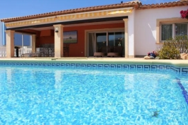 Beautiful and comfortable villa    with private pool, in Moraira, Costa Blanca, Spain for a maximum of 7 persons.This villa is situated  in a  beachy, hilly and urban area, close to restaurants and bars and supermarkets and  at 200 m from El Portet beach and offers a lot of privacy and a garden with gravel.Comfort and the vicinity of the beach, places to shop and places to go out make this an ideal villa to celebrate your holidays with family or friends and even your pets.Interior, Moraira