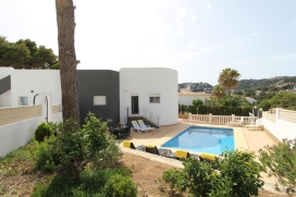 Beautiful and comfortable villa with private pool in Moraira, on the Costa Blanca, Spain for 8 persons. The villa is situated in a coastal and residential area, close to a golf course and a tennis court, at 3 km from Moraira beach and at 1 km from Ca, Moraira