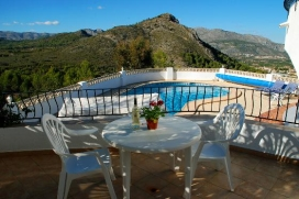 BEAUTIFUL VILLA, STUNNING MOUNTAIN & VALLEY VIEWS, VERY PRIVATE, POOL, BBQ, SKY TV,.., Orba