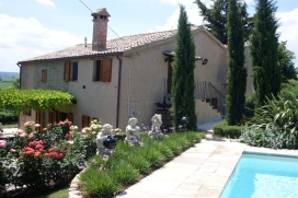 For English see our website : www.holidayhouseitaly., Staffolo
