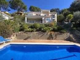 Vista Prima,Villa in Santa Cristina d'Aro, Catalonia, Spanje  met privé zwembad voor 6 personen...