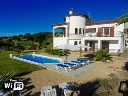 Villa Ensueño,Moderne und schöne Villa  mit privatem Pool in Calonge, Catalonia, Spanien für 8 Personen...